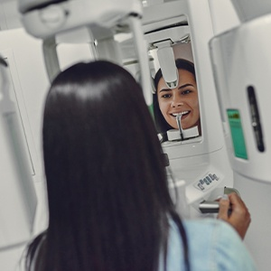 Woman receiving CBCT scan